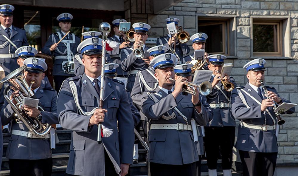 Uroczysta parada otwierająca KAMERALNE LATO 2017 - pokazy Orkiestry Komendy Wojewódzkiej Policji w Katowicach